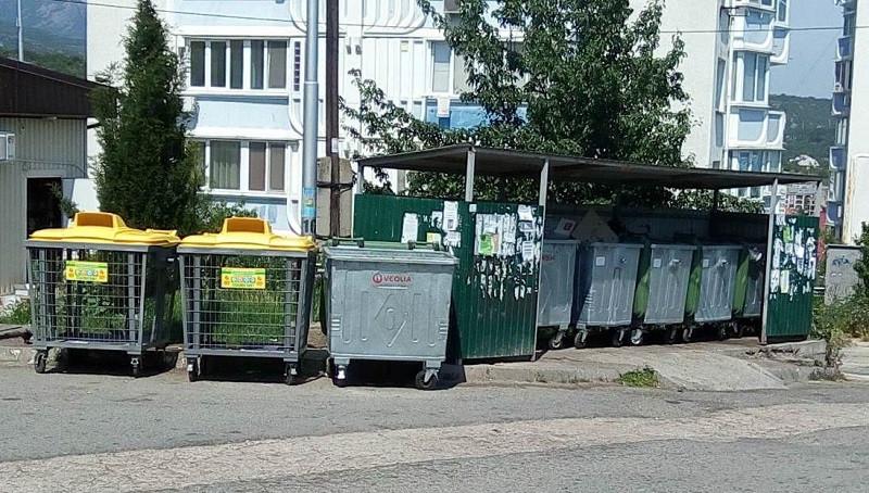 ForPost - Новости : Алушту заставили двумя сотнями мусорных контейнеров
