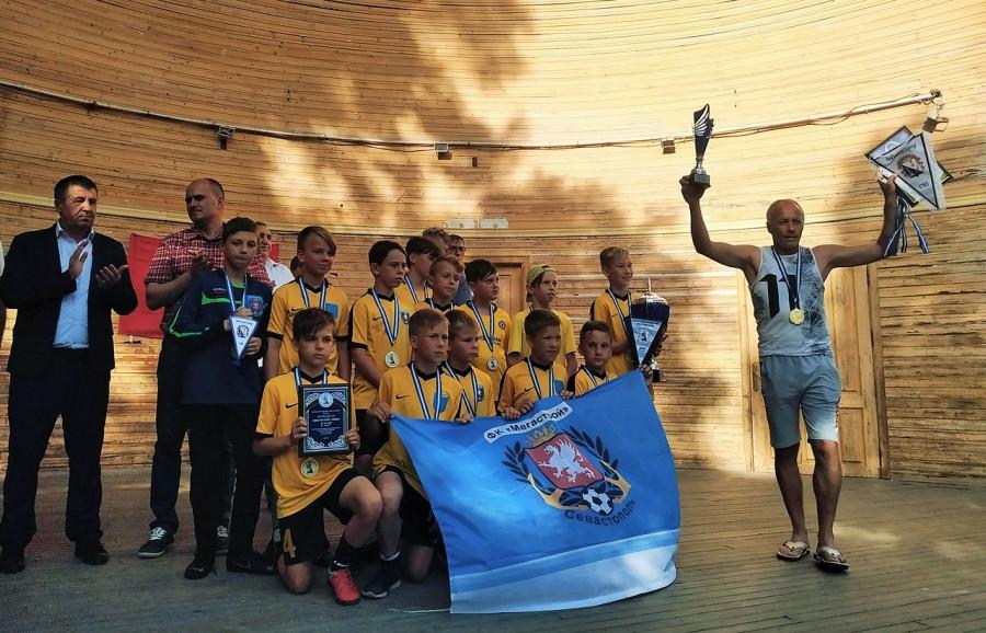 ForPost - Новости : Севастопольский футбол обрёл новых героев