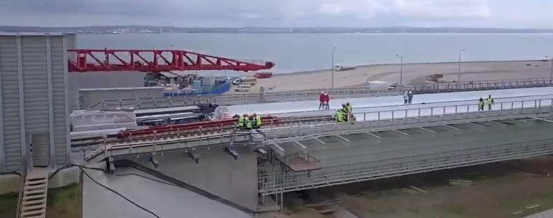 ForPost - Новости : Власти Крыма рассказали о досрочном запуске поездов по мосту через Керченский пролив