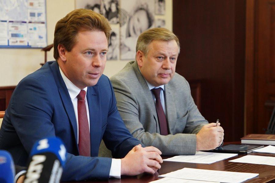 Правительство Севастополя играет в пользу коммунистов?