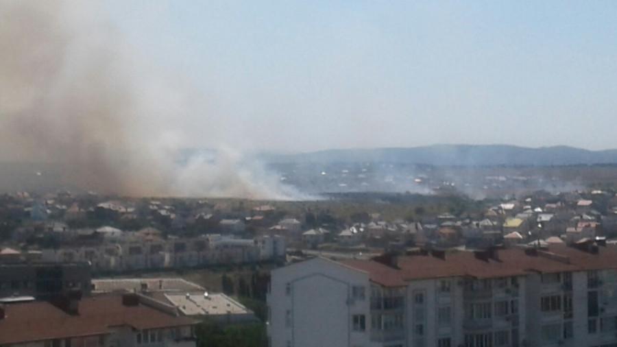 ForPost - Новости : Севастопольский пожар охватил территорию в 12 гектаров