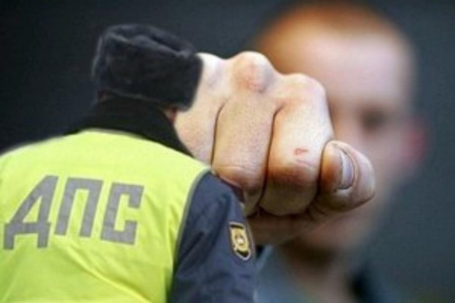 ForPost - Новости : В Севастополе судили избивавшего подчинённых сотрудника ГИБДД