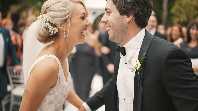 ForPost - Новости : Почему в Крыму стали поздно жениться: западное влияние или позднее взросление?