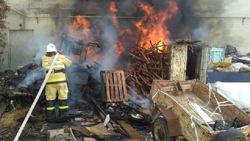 ForPost - Новости : В Крыму из-за пожара на воздух чуть не взлетело здание сельской администрации