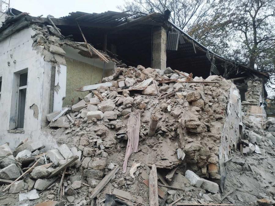 ForPost - Новости : Почему на Центральном холме Севастополя сносят здание