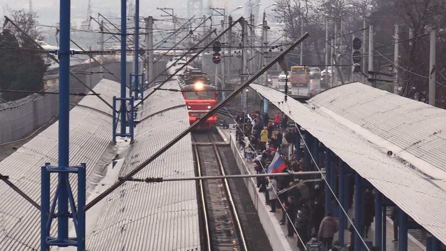 ForPost - Новости : В Севастополь прибыл первый поезд с материка