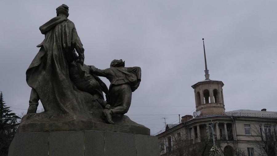 ForPost - Новости : Сквер Ленинского комсомола в Севастополе доведут до ума в 2020 году