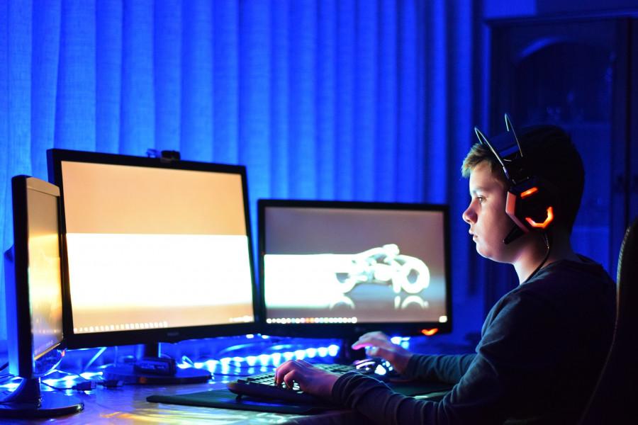 ForPost - Новости : В мире запрещают играть в компьютерные игры и вводят трансгендерные фамилии