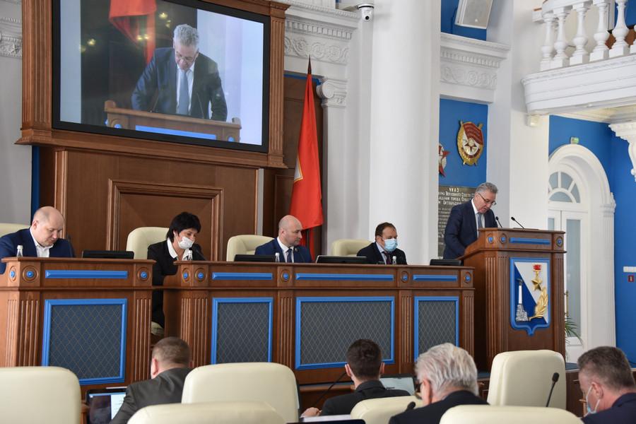 ForPost - Новости : В Севастополе первыми в России приняли закон о налоговых послаблениях из-за COVID-19