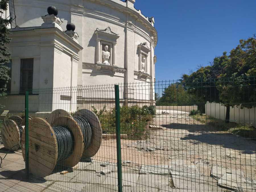 ForPost - Новости : Подрядчика Исторического бульвара в Севастополе отстранили от реконструкции