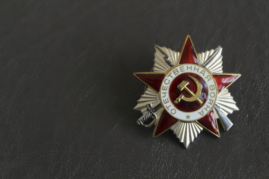 ForPost - Новости : В Севастополе ветерана войны обманули на полмиллиона рублей