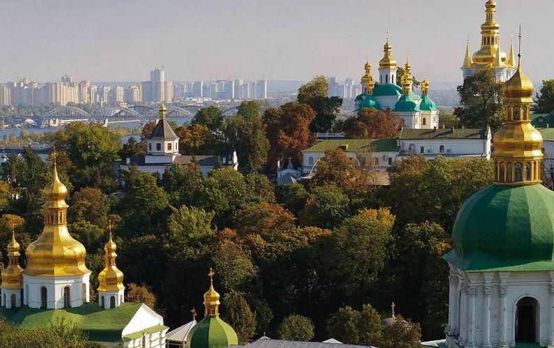 ForPost - Новости : В Киево-Печерской лавре коронавирусом заразились все монахи