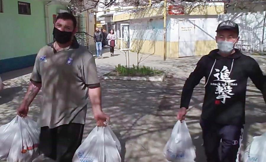 ForPost - Новости : Один раз было, четыре стало: странностям с доставкой продпайка в Севастополе удивилась ветеран