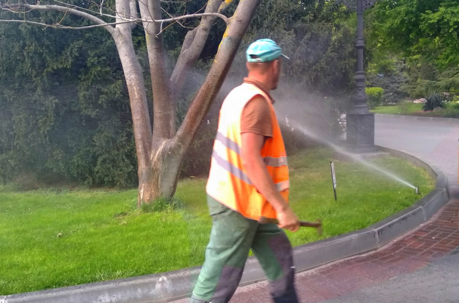 ForPost - Новости : Бульвары Севастополя предлагают поливать водой из скважин