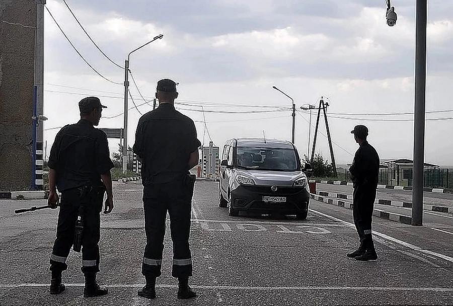 ForPost - Новости : На границе с Крымом пропал украинский военный