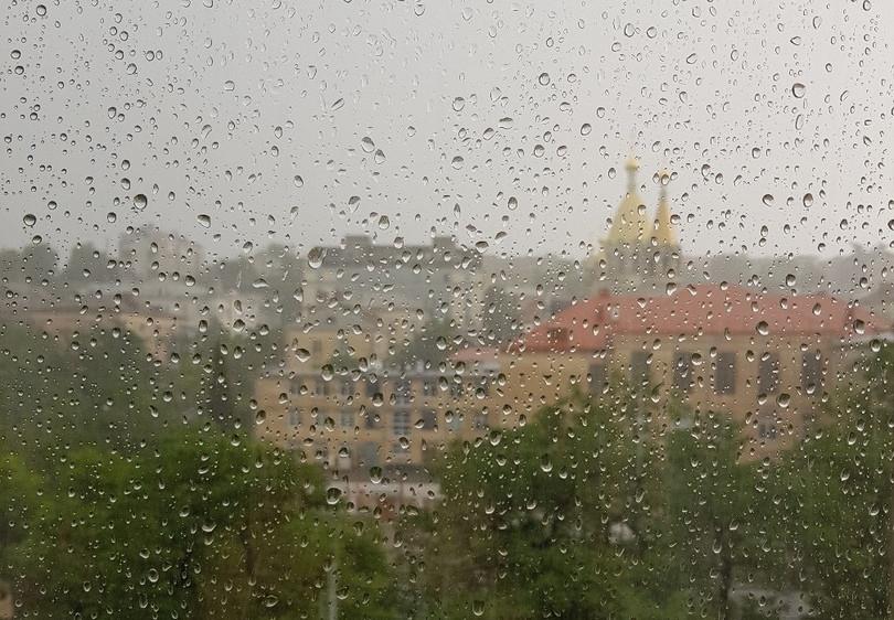 ForPost - Новости : Дождь в Севастополе: водопады и погребённый под грязью проспект