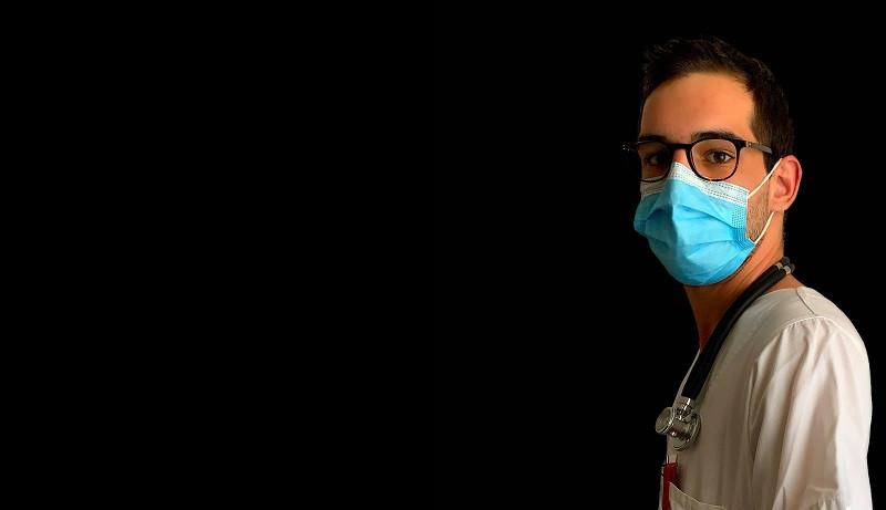 ForPost - Новости : Дело врачей: российских медиков впервые будут судить за фейки о коронавирусе