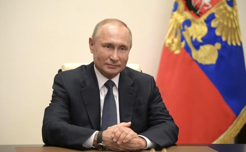 ForPost - Новости : Путин наградил севастопольских медиков за борьбу с коронавирусом