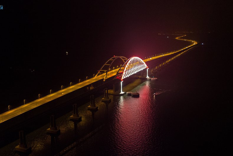 ForPost - Новости : Первый груз по Крымскому мосту уйдёт на материк из Севастополя