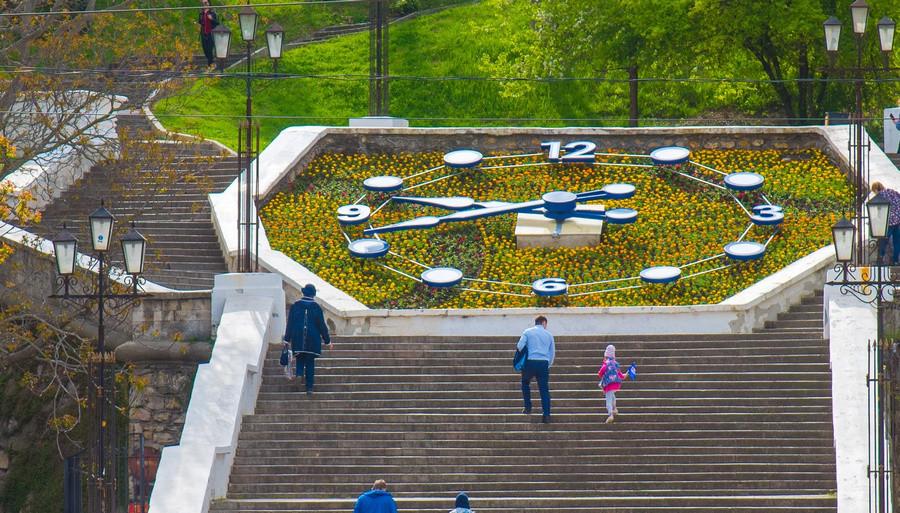 ForPost - Новости : Синопский спуск в Севастополе избавили от цепей