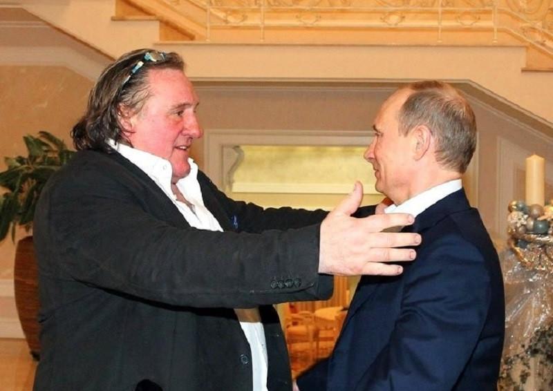 ForPost - Новости : Пьяный Депардье хочет уехать в Россию навсегда