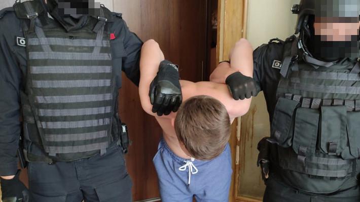 ForPost - Новости : 17-летний севастополец осужден за посты в соцсетях