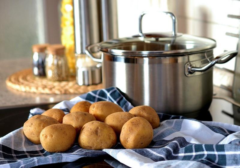 ForPost - Новости : Поляки назвали «вопиющую» ошибку при варке картошки