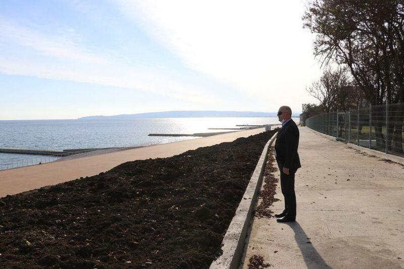 ForPost - Новости : Набережную без освещения построили в Крыму за федеральные деньги