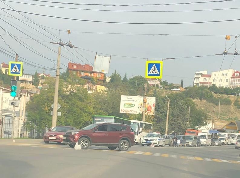 ForPost - Новости : В Севастополе женщина попала под колеса на пешеходном переходе
