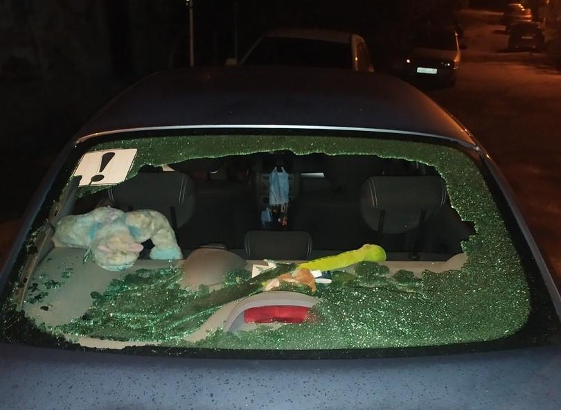 ForPost - Новости : В Севастополе неизвестные бьют стёкла автомобилей
