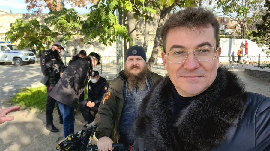 ForPost - Новости : Съемочную группу НТС и общественника Комелова задержали в Севастополе