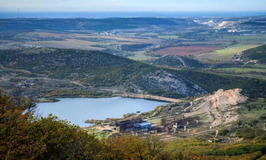ForPost - Новости : Байкер Хирург увидел заговор с тайным сливом воды из озера у горы Гасфорта