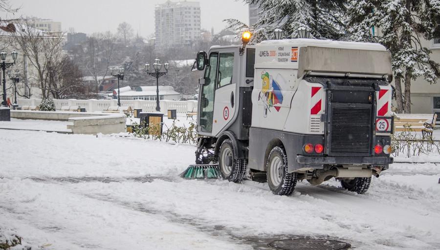 ForPost - Новости : Дорожники Севастополя решили обхитрить внезапную зиму