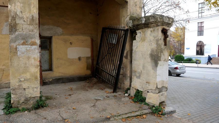 ForPost - Новости : За «раскультуренное» наследие Севастополя теперь отвечают жители центра