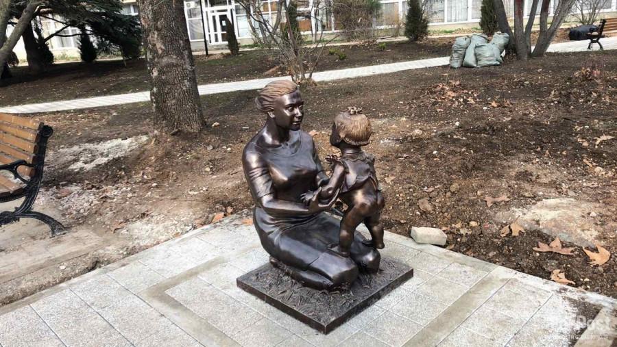 ForPost - Новости : В Севастополе появилась аллея городских скульптур