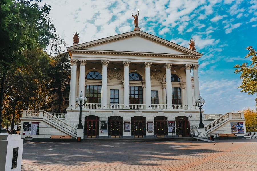 ForPost - Новости : Кинотеатры и театры Севастополя смогут принимать зрителей
