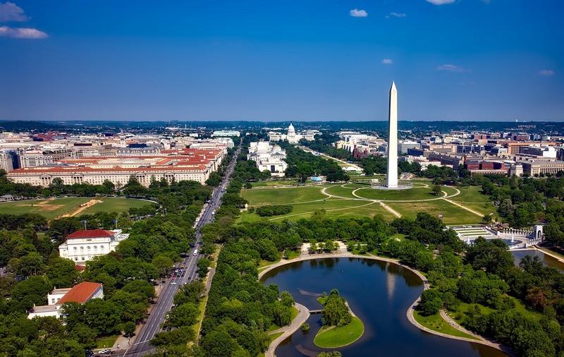 ForPost - Новости : Трамп ввёл в Вашингтоне режим ЧС