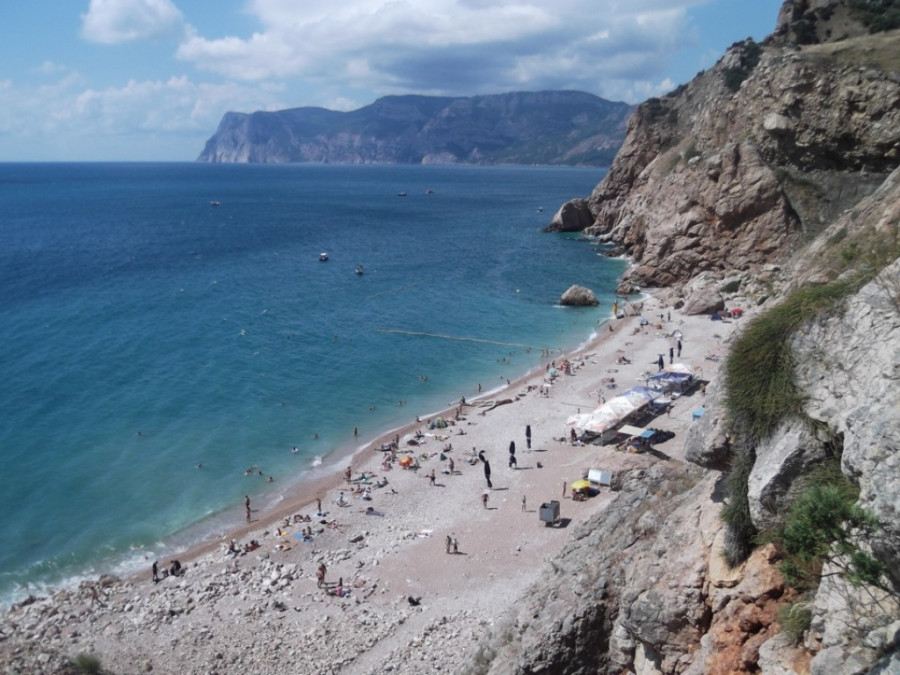 ForPost - Новости : На пляже «Золотой» в Балаклаве возвели незаконные сооружения