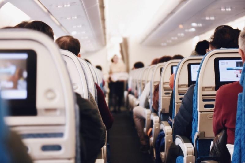 ForPost - Новости : «Золотые» авиабилеты в Крым туристам не помеха