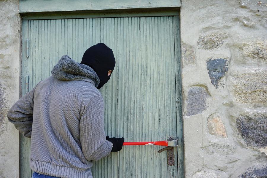 ForPost - Новости : В Севастополе задержан полицией грабитель с ломом и газовой плитой
