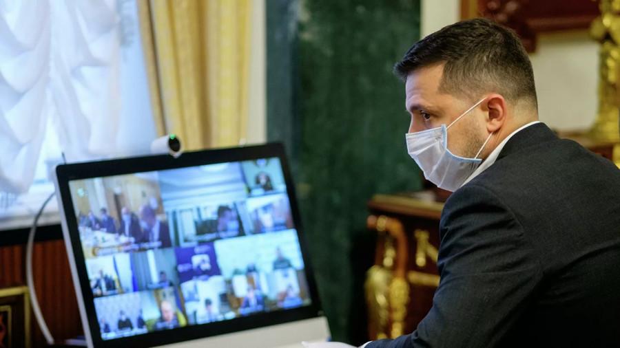 Зеленский поручил проверить состояние вооруженных сил Украины в Донбассе