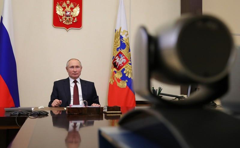 ForPost - Новости : «Где деньги, Зин?»: Путин удивился низким зарплатам