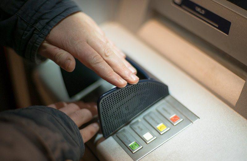 ForPost - Новости : Крымчанка подарила телефонному мошеннику миллион