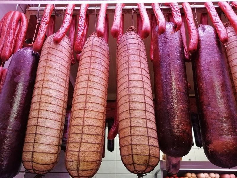 ForPost - Новости : Колбаса и сосиски могут сильно подорожать в России