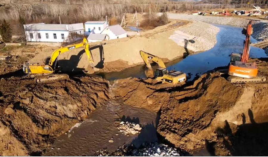 ForPost - Новости : Крымский блогер снял исторические кадры пуска вод Бельбека в новый водозабор
