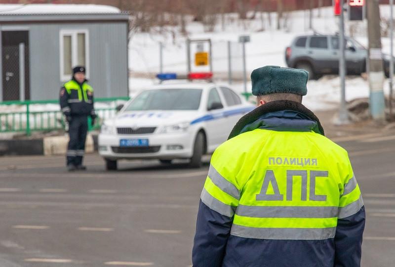 ForPost - Новости : Крымские соцсети взорвал добрый гаишник (ВИДЕО)