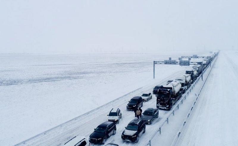 ForPost - Новости : Что привело к снежному коллапсу на трассе «Таврида»?