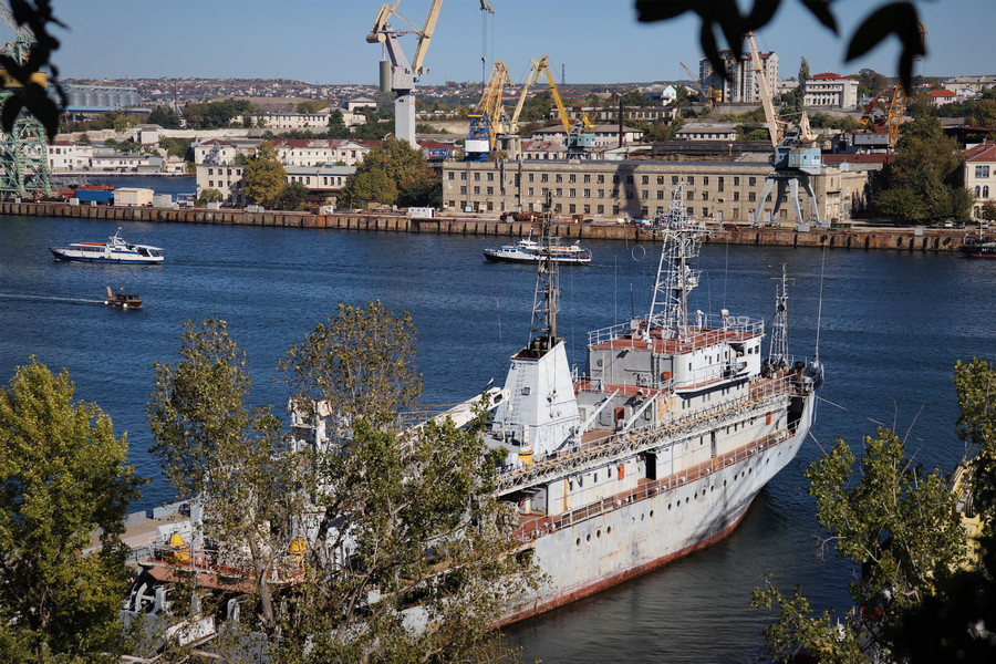 ForPost - Новости : Вопрос земли 13-го судоремонтного завода в Севастополе почти решён