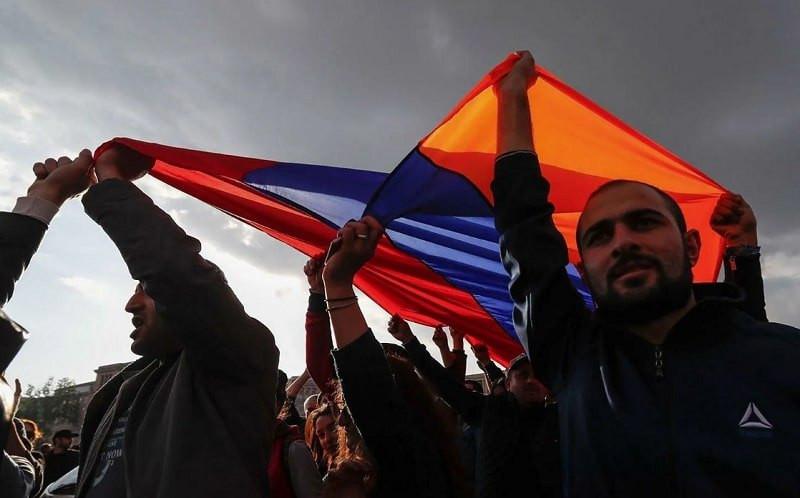 ForPost - Новости : Армения: те же на манеже