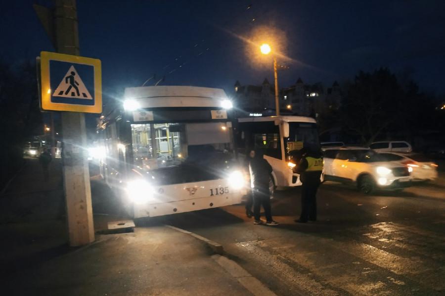 ForPost - Новости : Тройное ДТП практически остановило движение в центре Севастополя
